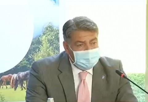 """HALUCINANT! Secretar de stat: """"Când îmi pun masca, nu va mai aud. Simturile mele se amesteca"""""""