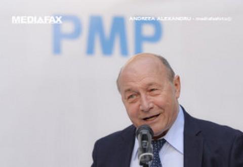 Băsescu: PNL - USR-PLUS, pe punctul de a pierde alegerile în Capitală: Barna şi Orban l-au plimbat pe Nicuşor Dan ca pe urs în târg, cu un carton de gât