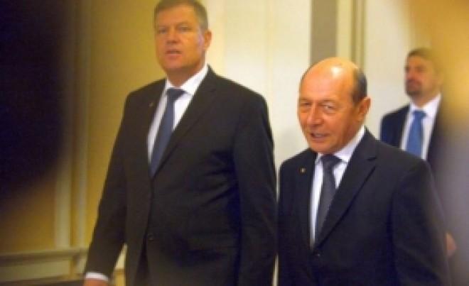 Traian Băsescu îl umilește pe Klaus Iohannis: 'Nu ai adus nimic, mă, băiatule. Insistă cu această minciună cu un tupeu incredibil. Cât de ridicol poți să fii?'