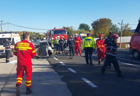 Cand carosabilul ud intalneste soferi prosti: 4 accidente produse concomitent pe DN1, la Cornu