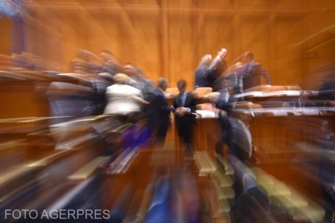 Parlamentarii PSD au votat acordarea stimulentului COVID, pentru profesori. 2000 de lei pe luna, neimpozabili