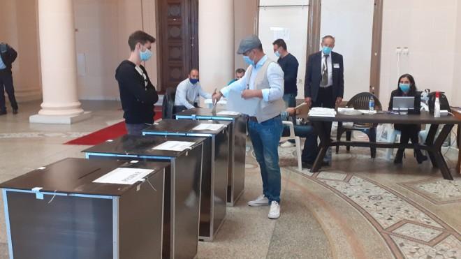 13 partide şi 4 independenţi vor concura la alegerile parlamentare din Prahova. Mai multe candidaturi au fost respinse
