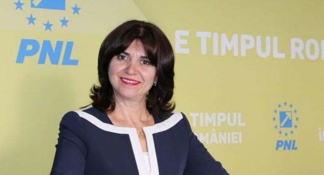 UNDE-S BANII?! Criză majoră de tablete și laptopuri în educație: Monica Anisie anunță că fondurile europene s-au epuizat în doar trei zile