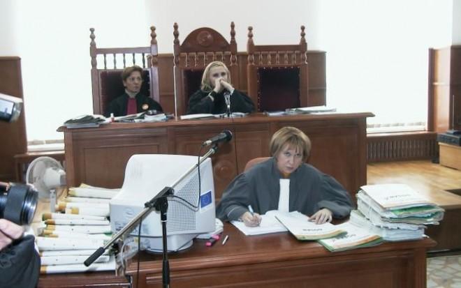 Grefierii solicită Direcţiilor de Sănătate Publică testarea tuturor angajaţilor din cadrul autorităţii judecătoreşti: Instanţele şi parchetele din România au devenit adevărate focare