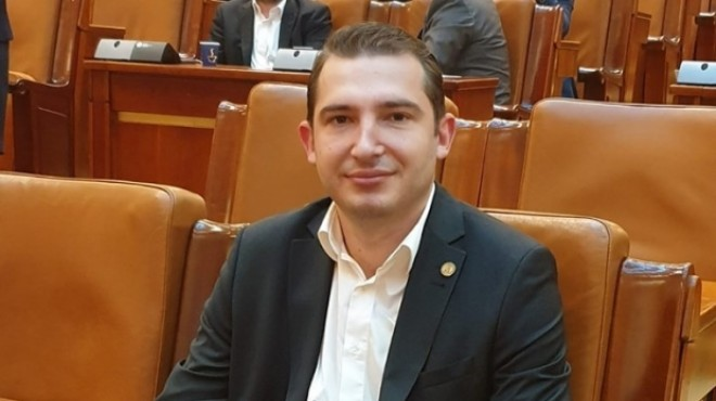 Razvan Ursu: Restrictiile Guvernului sunt NECONSTITUTIONALE!