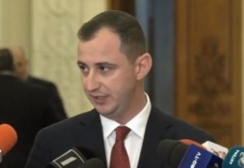 Alfred Simonis a EXPLODAT în PLEN: Guvernul să dea astăzi OUG pentru eliminarea pensiilor speciale