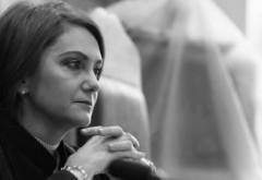 Judecatoarea Adriana Stoicescu: Dudui botoxate cer desfiintarea CCR. Fara ficat nu putem trai, dar fara creier, aparent, da