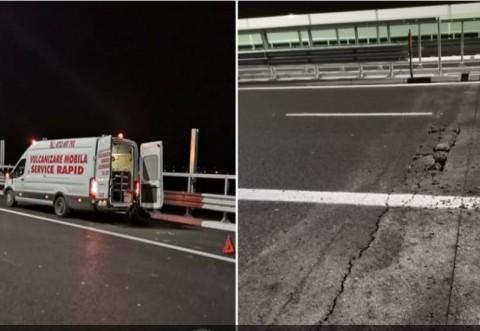 Romania lucrului bine facut! Un şofer şi-a rupt maşina într-o groapă de pe Autostrada Moldovei, la câteva ore după inaugurarea făcută de Iohannis şi Orban