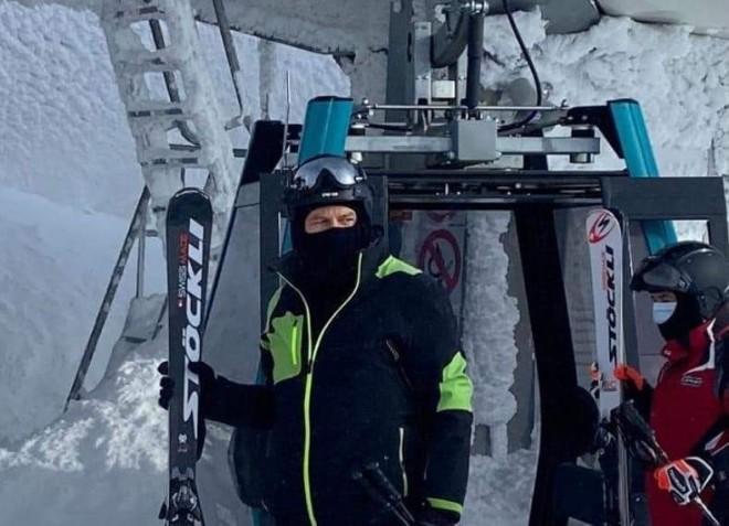 Iohannis, surprins la ski, in Sinaia. Miercuri, in timpul programului de lucru, in plina criza economica si sanitara