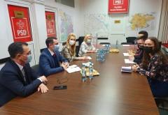 Un obicei pe cale de disparitie! Parlamentarii PSD Prahova, singurii care organizeaza intalniri cu elevii din judet