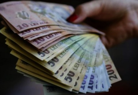 Burse studenţi 2021. ANOSR cere Guvernului Cîţu creşterea burselor şi a subvenţiei pentru cămine