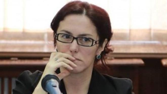 """Judecatoarea Tribunalului Bucuresti Madalina Afrasinie denunta instaurarea DICTATURII. """"Ministrul Stelian Ion s-a aliat cu DNA, o institutie plina de probleme. Incep sa ma tem"""
