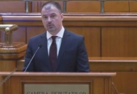 Mircea Rosca, primul politician care are curaj sa spuna lucrurilor pe nume despre ghidul de la Bruxelles în care se elimină 'mamă' și 'tată'
