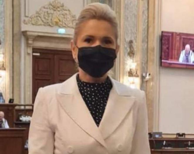 Senatorul Laura Moagher: PSD vine cu soluții pentru relansarea vaccinării!