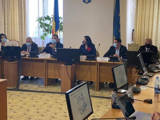 Deputatul Bogdan Toader (PSD Prahova) a discutat cu ministrul Dezvoltarii despre modernizarea creşelor din Prahova si finalizarea mai multor ANL-uri