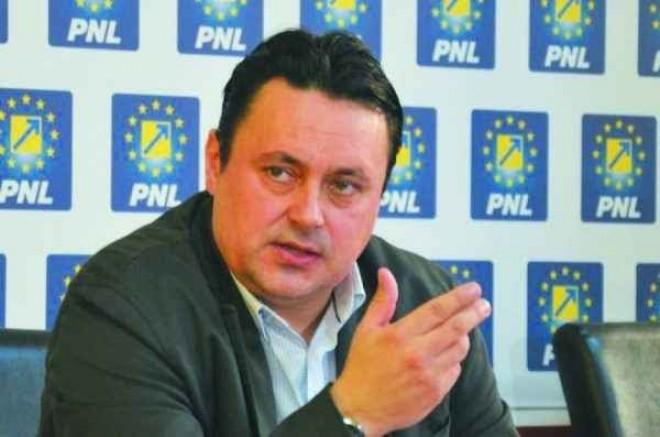 Greva Rosal Ploiesti/ Primarul Volosevici anunta ca ar putea fi decretata stare de alerta din cauza neridicarii gunoaielor de la populatie