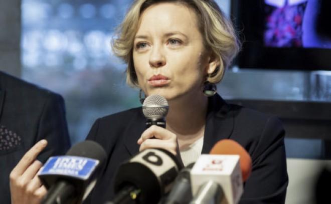 Politică de 'oameni noi'. Cosette Chichirău (USR-PLUS), prinsă cu minciuna! 'N-am folosit niciodată expresia Ciuma Roșie'
