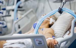 Nevaccinatii sunt de vina pentru ca o tara condusa de prosti nu are medicamente in spitale? De ce mor bolnavii, de fapt?
