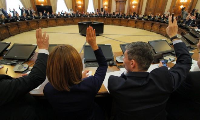 Zi lunga: Au inceput audierile în Parlament