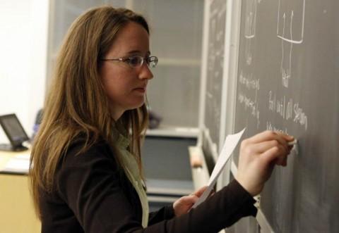 Nu mai sunt bani pentru salariile profesorilor. Ministrul Educației ridică din umeri