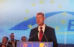 VIDEO – Iohannis și-a tras filmuleț de campanie pentru surdo-muti