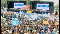 """OAMENI aduşi pe BANI, la lansarea lui Klaus Iohannis: """"40? Păi pe noi ne-a păcălit doar cu 10 lei!"""" VIDEO"""