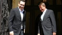 Victor Ponta susținut de 7 premieri europeni, Iohannis de necunoscutul secretar general al PPE