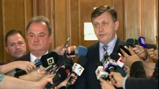Crin Antonescu: Am sentimentul că văd în Johannis candidatul PDL, aşa cum era în epoca Băsescu