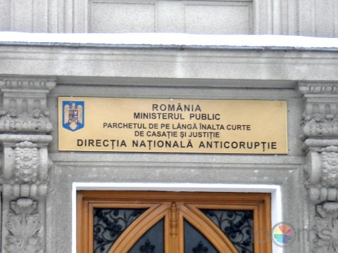 Cum a fost ''strecurat'' Ponta în referatul DNA. Documentele procurorilor, pline de inadvertenţe