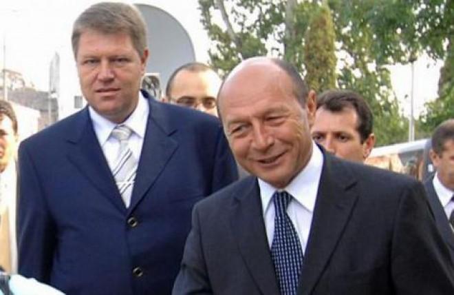 """Cine e """"seful"""" lui Iohannis? Campania lui Băsescu din 2004, copiata 90% de prezidentiabilul ACL"""