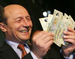 """Mircea Badea, despre declaraţiile lui Băsescu: """"Ce a prezentat el a fost o băseală. E un delir complet"""""""