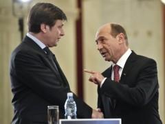 Basescu repeta episodul din campania 2009, cand l-a dat pe Antonescu colaborator al Securitatii