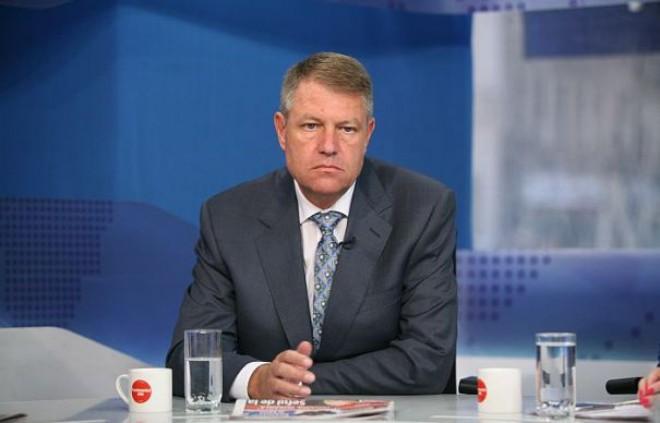 HALUCINANT! Klaus Iohannis nu știe cât este salariul minim pe economie din România