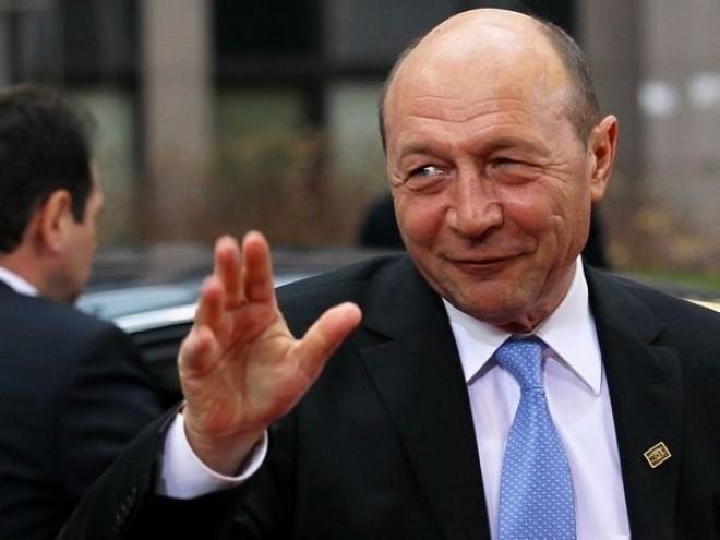 Exploziv: La final de mandat, Traian Băsescu cere două vile + casă de oaspeţi