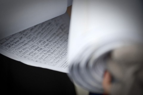 """DEZVALUIRI/ Cum a strans ACL semnaturi pentru Iohannis: """"Au platit intre 3 si 5 lei pentru o fila cu 34 de nume. In Regie, studentii ar face orice pentru 3 lei"""""""