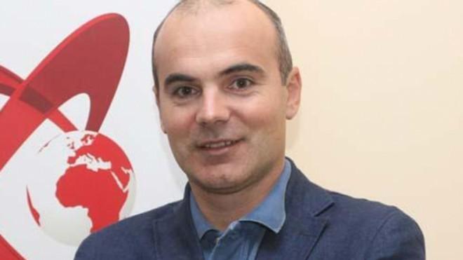 Rares Bogdan, dezamagit de prestatia lui Iohannis: Am ridicat de trei ori mingea la fileu, imi venea mie sa sar. El se uita la ceas, fi-r-ar al dracu de ceas
