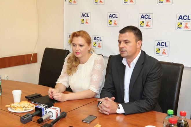 FURT SI SPAGA, marca ACL Prahova. Anastase si Rosca fura voturi si impart bani primarilor