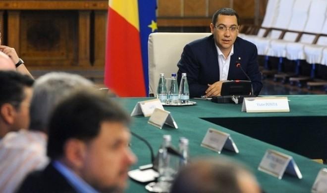 Victor Ponta vrea să RESTRUCTUREZE GUVERNUL