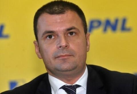Cine vrea sa preia PNL Prahova de la arestatul Mircea Rosca?