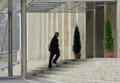 Ponta începe discuţiile pentru noul Guvern. Tăriceanu a ajuns la Palatul Victoria