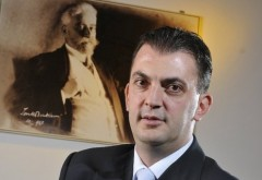 """Dezvăluiri despre tunurile din bani publici date de Rareș Mănescu. Afaceriști anchetați, colaboratori ai teroristului Omar Hayssam și firme apropiate de PDL, """"abonați"""" la contracte oferite de vicepreședintele PNL"""