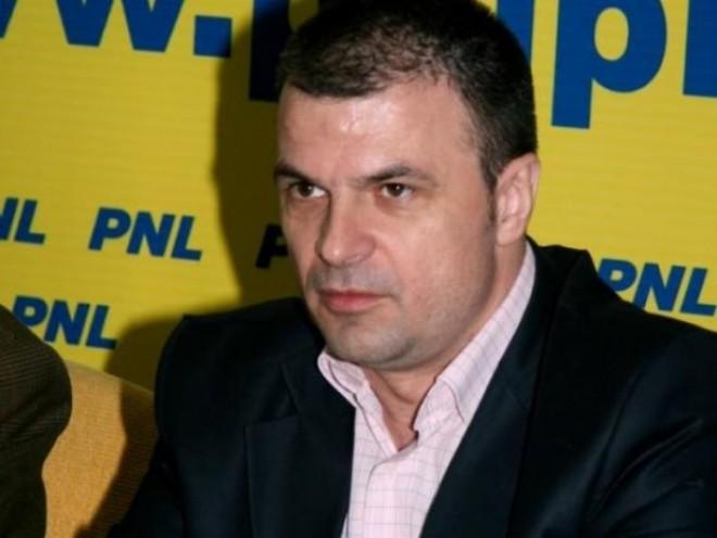 Deputatul PNL Mircea Roşca a fost plasat în AREST LA DOMICILIU