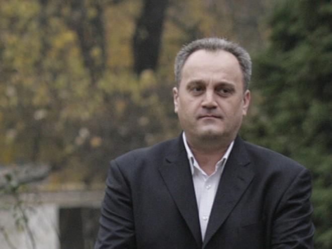 Lista cumpărăturilor lui Gabriel Sandu pentru Traian Băsescu şi PDL