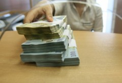 Topul politicienilor datori la bănci