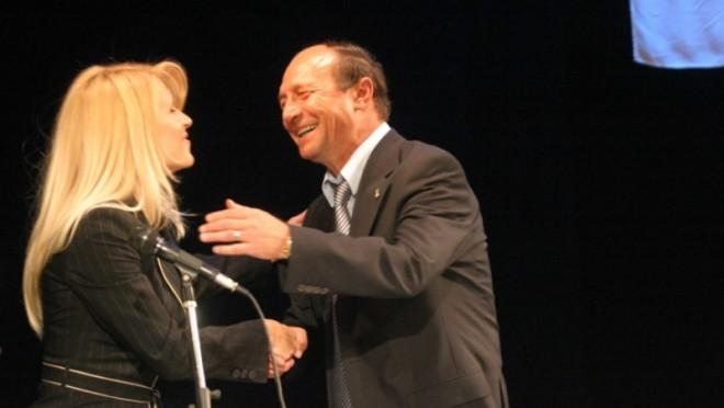 'Udrea la nevoie o sa-l toarne pe Basescu. Are probe. S-ar intampla mari nenorociri'