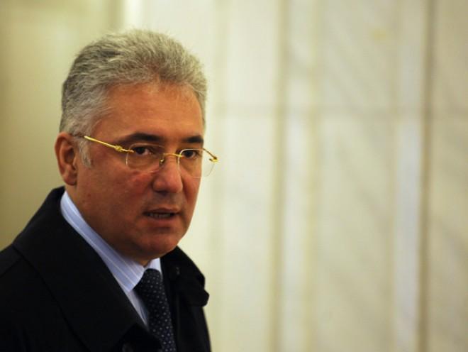 Adrian Videanu a fost ELIBERAT din arestul poliţiei