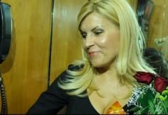 BOMBA! Avocatul lui Dorin Cocos, ploiesteanul William Branza s-a dus cu flori la Elena Udrea, de Valentine's Day