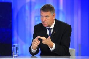 """Klaus Iohannis, atacat DUR: """"Susţine o teză stalinistă, periculoasă şi tembelă"""""""