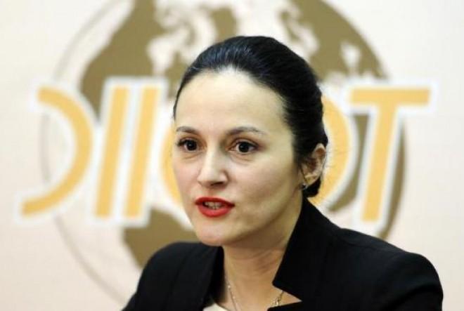 Alina Bica rupe tăcerea. Scrisoare din arest pentru un jurnalist