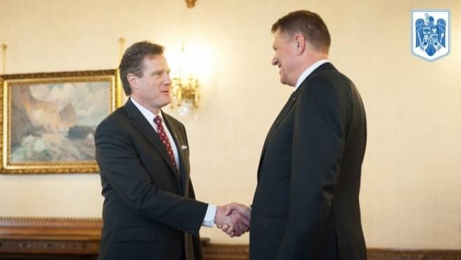 Klaus Iohannis, mesaj pe Facebook după întâlnirea cu delegaţia SUA: IT-ul, pe lista de priorităţi